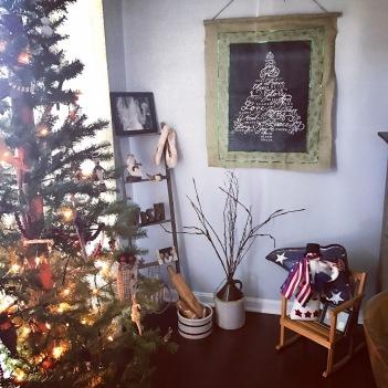 ladder-corner_diningroom_christmas2016